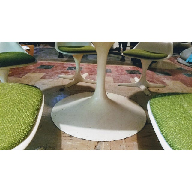 Burke Saarinen Tulip Table & 6 Chairs For Sale In Chicago - Image 6 of 11