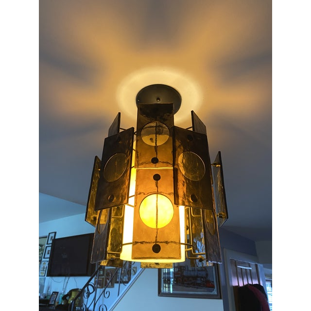 1960s Mid-Century Lucite Panel Smoke Hanging Lamp Chandelier For Sale - Image 4 of 6