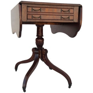 Mid-Century Sheraton Style Walnut Butterfly Drop-Leaf Table For Sale