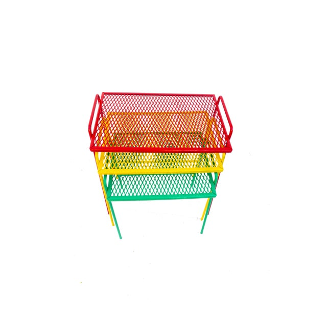 Green Mid-Century Salterini Metal Nesting Tables || Set of 3 Red, Yellow, Green Indoor/Outdoor Versatile Accent Furniture For Sale - Image 8 of 11