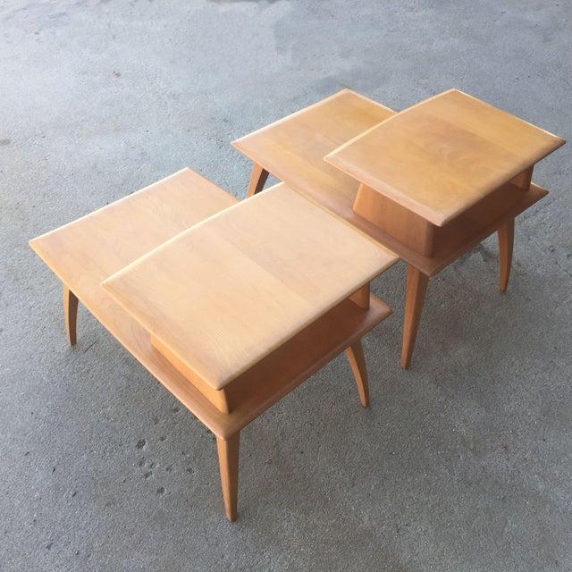 Pair of Heywood-Wakefield Champagne Blonde Saber Leg Side Tables - Image 3 of 11