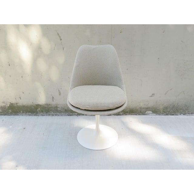Mid-Century Modern Vintage Modern Knoll Saarinen Tulip Side Chairs - Set of 6 For Sale - Image 3 of 9
