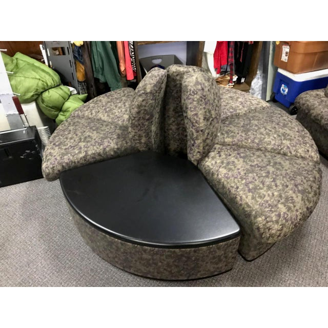 Vintage Brocade Round Lobby Settee For Sale In Chicago - Image 6 of 6