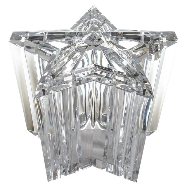 Mid-Century Modern Lucite/Acrylic Star Shape Ice Bucket - Image 11 of 11