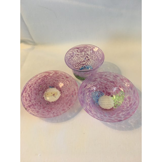 Ulrica Hydman-Vallien Kosta Boda Handblown Art Glass - Set of 3 For Sale - Image 4 of 4