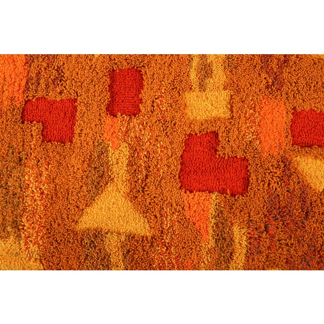 Orange and Yellow Op Pop Mod Woven Tapestry / Rug - 3′6″ × 5′5″ For Sale In Detroit - Image 6 of 7