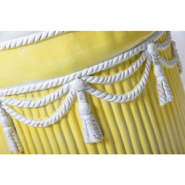 Hollywood Regency Italian Vintage Yellow & White Ceramic Garden Stool Hollywood Regency Palm Beach For Sale - Image 3 of 5
