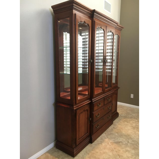 Thomasville Thomasville Dining Room Hutch For Sale - Image 4 of 5