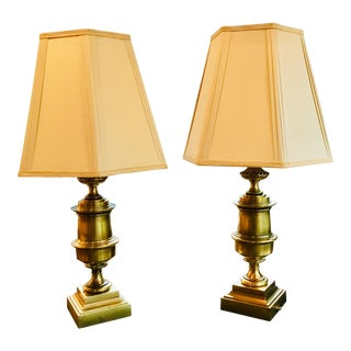 1960s Stiffel Hollywood Regency Brass Urn Table Lamps - a Pair For Sale