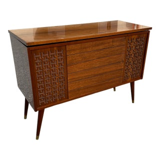 Mid-Century Modern 1960s Morse Stereophonic High Fidelity Am/Fm. For Sale