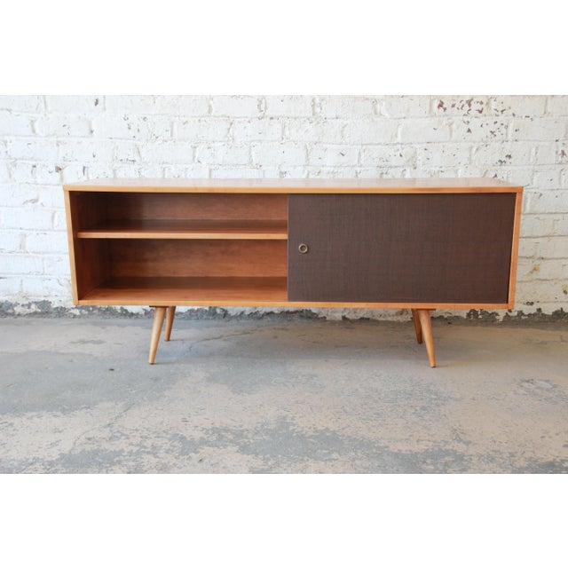 Contemporary Paul McCobb Planner Group Credenza or Record Cabinet For Sale - Image 3 of 12