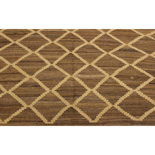 Boho Chic Yestin Lt. Brown/Ivory Hand-Woven Kilim Wool Rug -5'3 X 8'0 For Sale In New York - Image 6 of 8