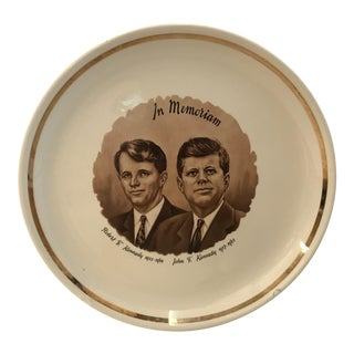 Gold Trim Mid-Century Kennedy Brothers Plate For Sale
