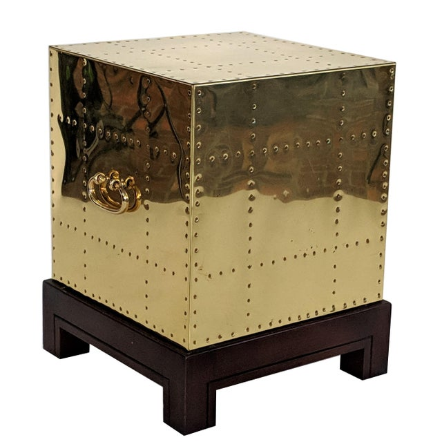 Gold 1990s Hollywood Regency Sarreid Brass Studded Cube Side Table For Sale - Image 8 of 13