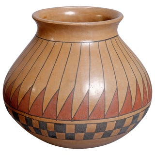 Beto Tena Southwest American Indian Acoma Style Feather Pottery Vase For Sale