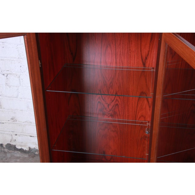 Skovby Danish Modern Rosewood Glass Front Bookcase on Hairpin Legs For Sale In South Bend - Image 6 of 12