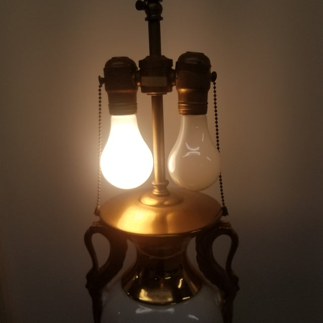 Warren Kessler New York Swan Accents Lamp For Sale In New York - Image 6 of 7