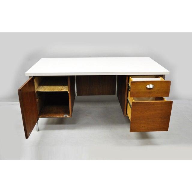 Mid-Century Modern Mid Century Modern Florence Knoll Walnut Executive Desk For Sale - Image 3 of 11