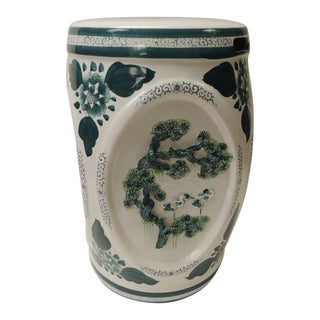 Vintage Round Hand-Painted Green and White Ceramic Chinese Export Garden Stool For Sale
