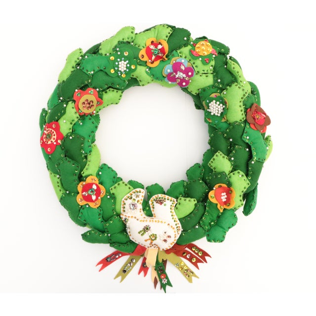 1970s Americana Felt Christmas Wreath For Sale In Madison - Image 6 of 6