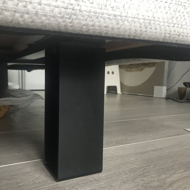 Gray Contemporary Molteni & Co Queen Niko Bedframe For Sale - Image 8 of 9