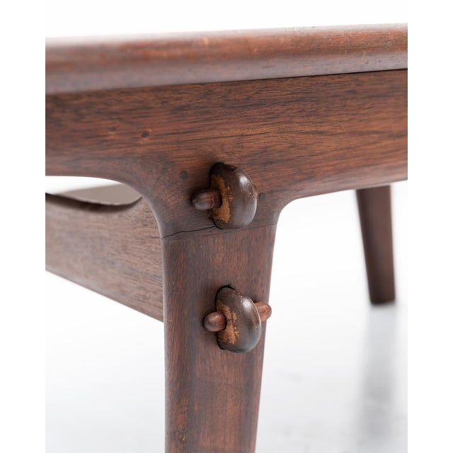 Angel Pazmino Coffee Table in Rosewood and Leather, Ecuador, 1960s For Sale In Santa Fe - Image 6 of 7