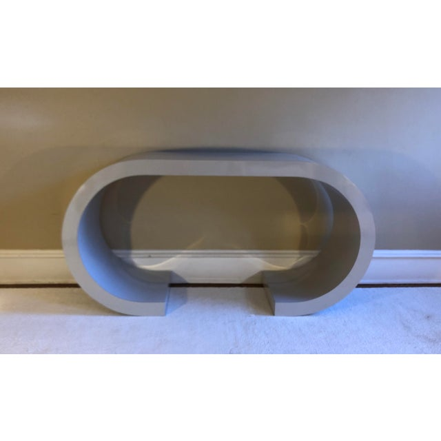 Postmodern Curved Laminate Console Table in Light Gray For Sale - Image 10 of 10