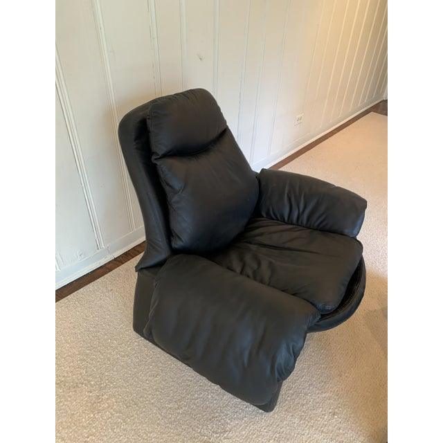 Contemporary Vintage Black Saporiti Lounge Chair and Ottoman by Vittorio Introini For Sale - Image 3 of 8
