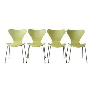 Arne Jacobsen for Fritz Hansen Series 7 Chairs - Set of 4 For Sale