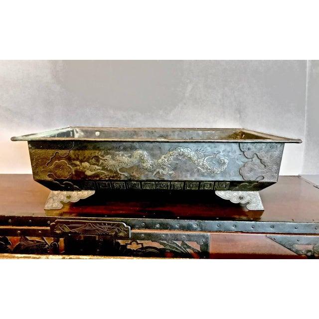 Bronze Planter or Hibachi, Edo Period For Sale In Los Angeles - Image 6 of 7