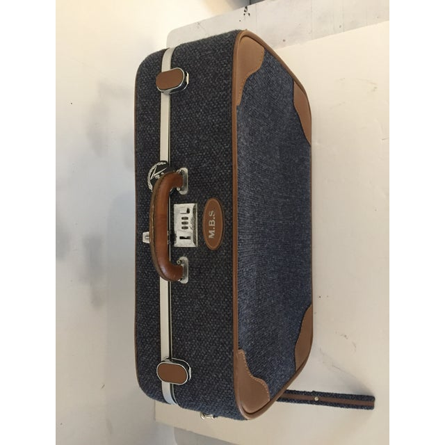 Vintage Luggage Blue Tweed Med Suitcase 25 X18 X 7.5 For Sale In New York - Image 6 of 7