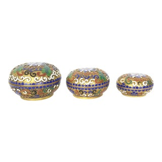 1950s Cloisonné Trinket Boxes Brass and Enamel Lidded Nesting Boxes - Set of 3 For Sale