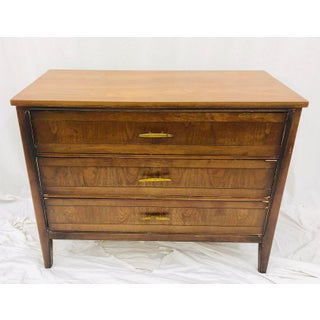 Vintage Mid Century Bachelors Chest Preview