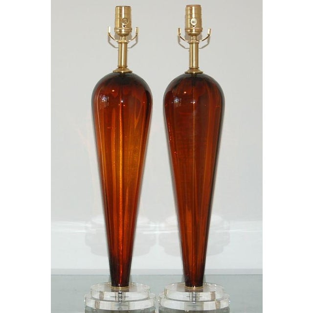 I love the simplicity of these Venetian vintage COGNAC glass teardrops table lamps, with their broad shoulder, cinch waist...