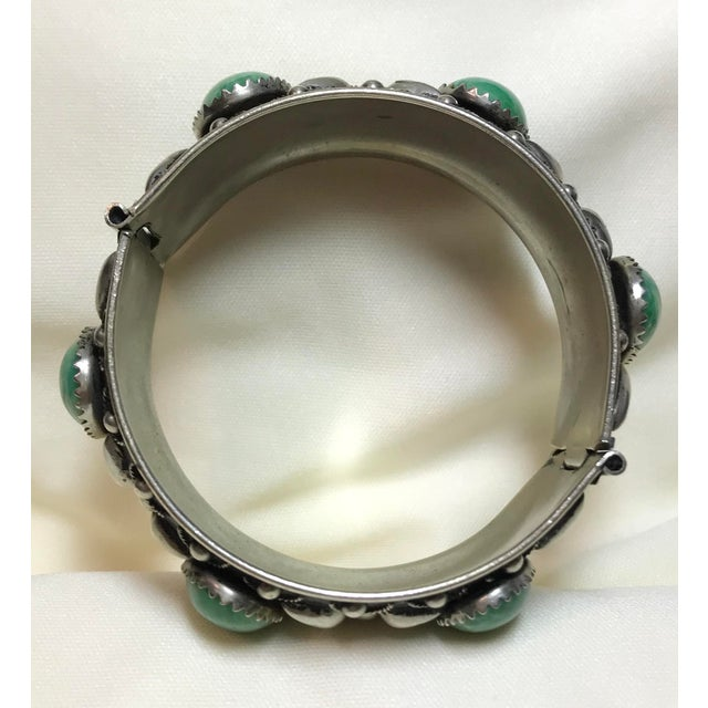 1940s 1940 Silver-Plated Green Cabochon Hinged Bangle For Sale - Image 5 of 8