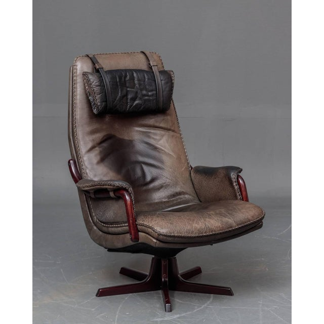 1960s Leather and Rosewood Recliner and Ottoman For Sale - Image 5 of 10