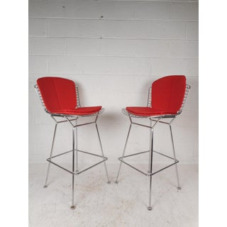 Pair of Vintage Modern Bar Stools by Knoll Preview