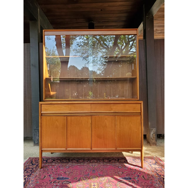 1960s Drexel Mid-Century Modern Parallel China Cabinet For Sale - Image 5 of 13