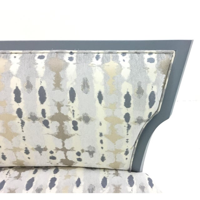 Modern Currey & Co. Garbo Settee/Bench For Sale - Image 3 of 6