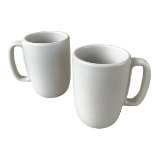 Heath Large Mugs in Linen a Pair For Sale