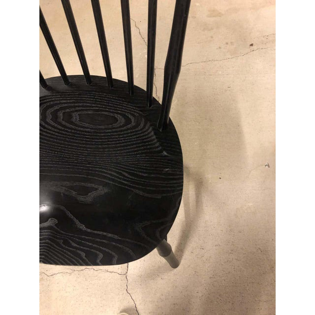 O & G Studio Windsor Dining Chair in Ebony, 25+ Available For Sale - Image 9 of 10