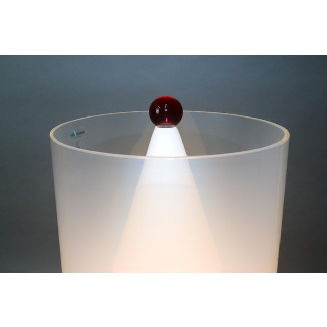 Mid-Century Modern Murano Glass Table Lamp with Red Accent For Sale In New York - Image 6 of 12