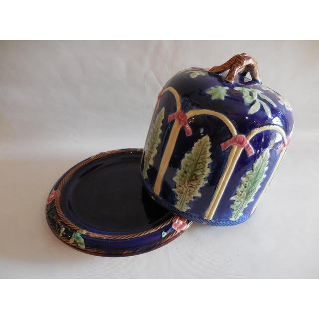 Traditional Majolica Ribbon and Leaf Cheese Dome With Underplate For Sale - Image 3 of 8