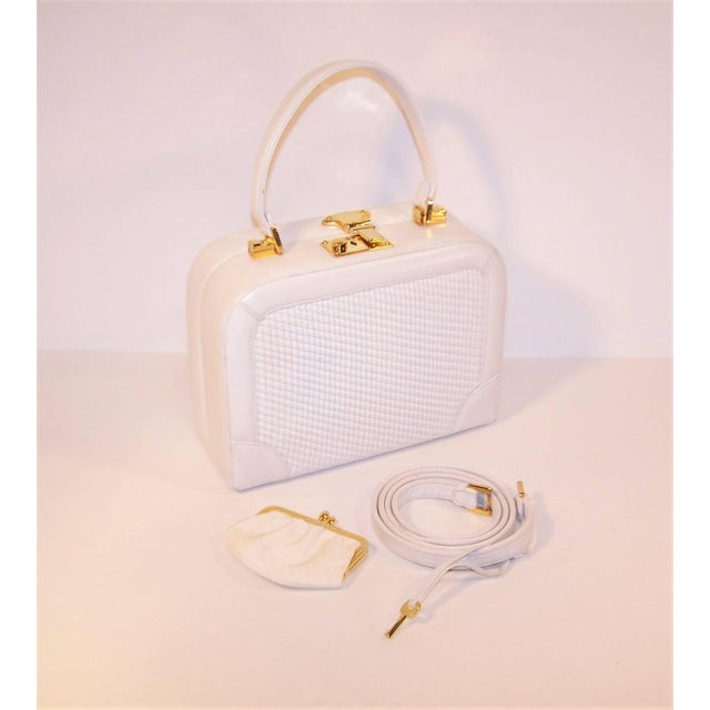 Contemporary C.1990 Judith Leiber White Leather Box Handbag With Convertible Handles For Sale - Image 3 of 11