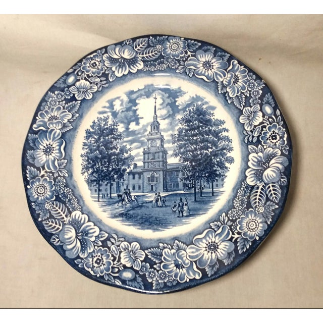 "Staffordshire Staffordshire ""Independence Hall"" Dinner Plates - Set of 6 For Sale - Image 4 of 9"