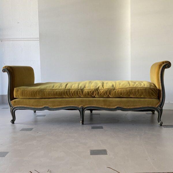 Goldenrod 19th Century Venetian Recamier For Sale - Image 8 of 13