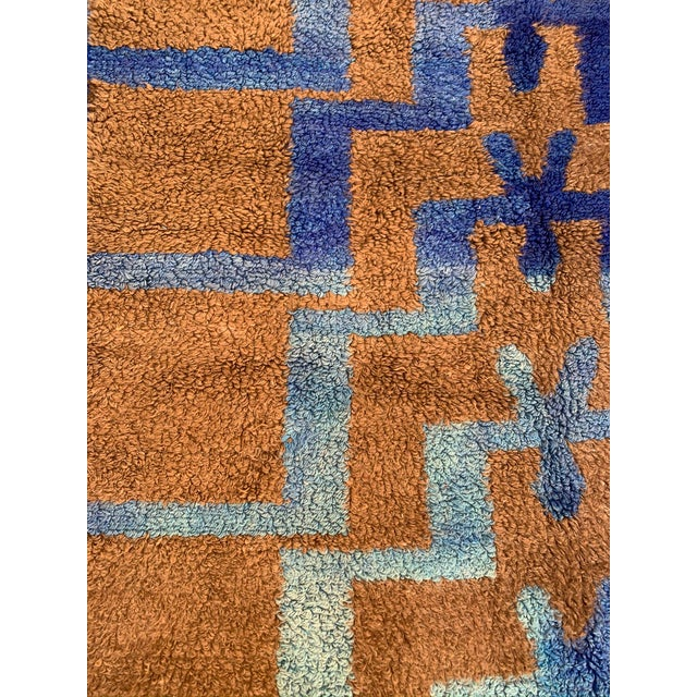 Textile Long Hair Turkish Brown & Blue Geometric Step Pattern Rug- 4′3″ × 6′9″ For Sale - Image 7 of 9