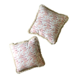 """Custom 22"""" Pillows of Block & Brayer """"Arrowheads"""" Camellia/Berry With """"Oyster"""" Fringe - a Pair For Sale"""