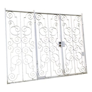 Custom White Metal 2 Door Gate For Sale