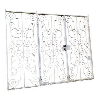 Custom White Metal 2 Door Gate
